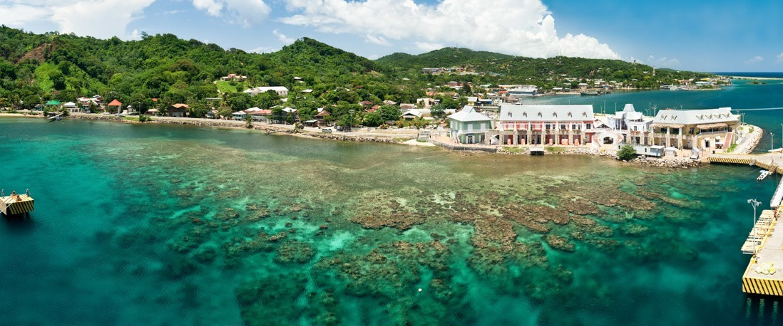 cruise trip at Bay Island in Honduras