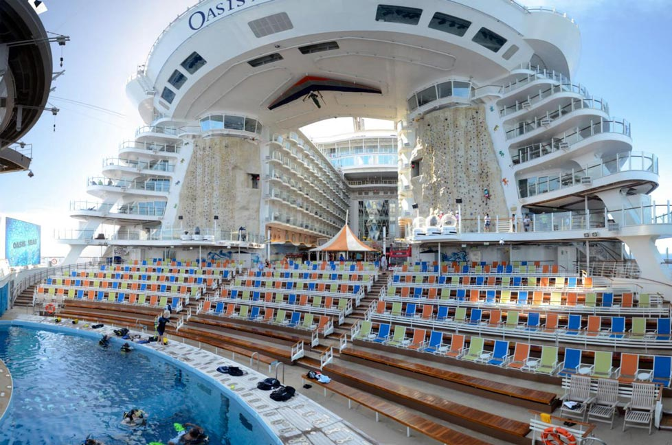 The Worlds Five Biggest Cruise Ships - Cruise ship oasis of the seas