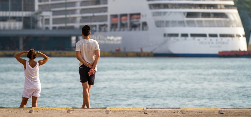 what happens if you run late during a mid-cruise stopover