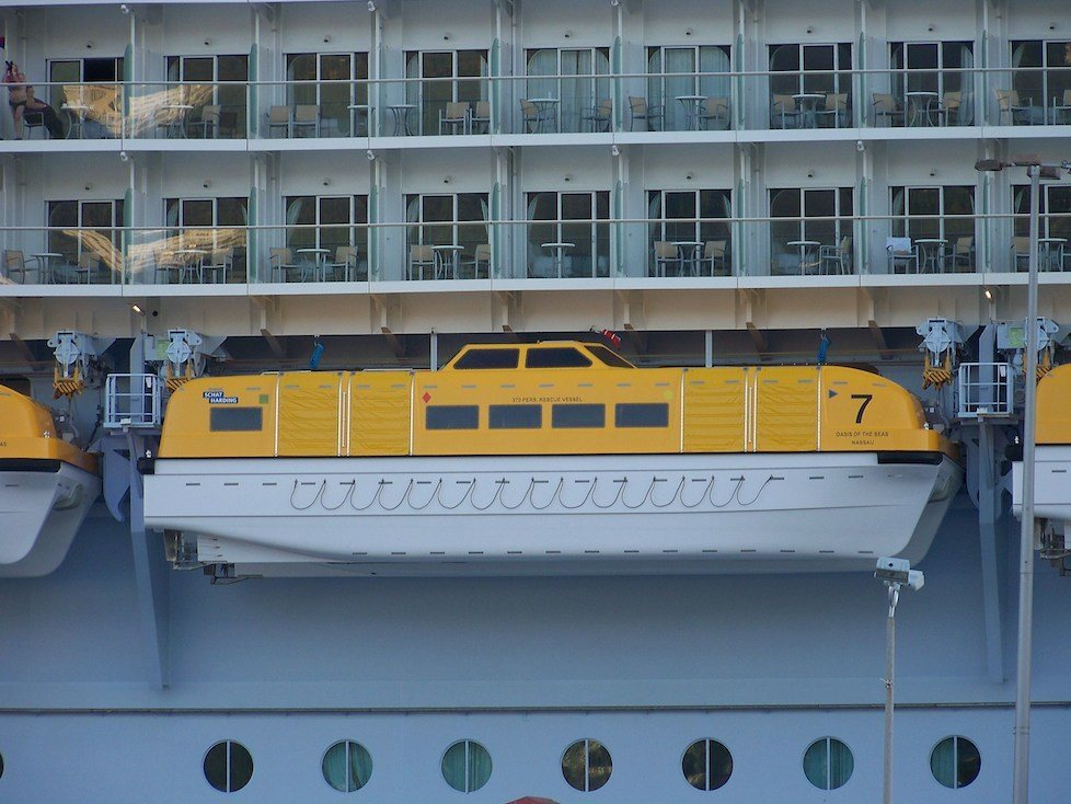 Oasis of the Seas lifeboats