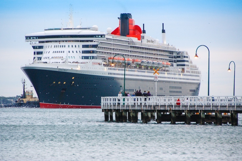 Queen Mary 2 arriving at Port Melbourne