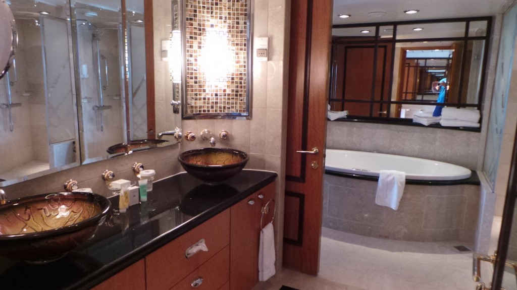 Navigator of the Seas Royal Suite Bathroom