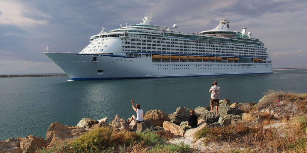 Voyager of the Seas leaving Outer Harbor