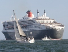 Queen Mary 2 outbound from Melbourne
