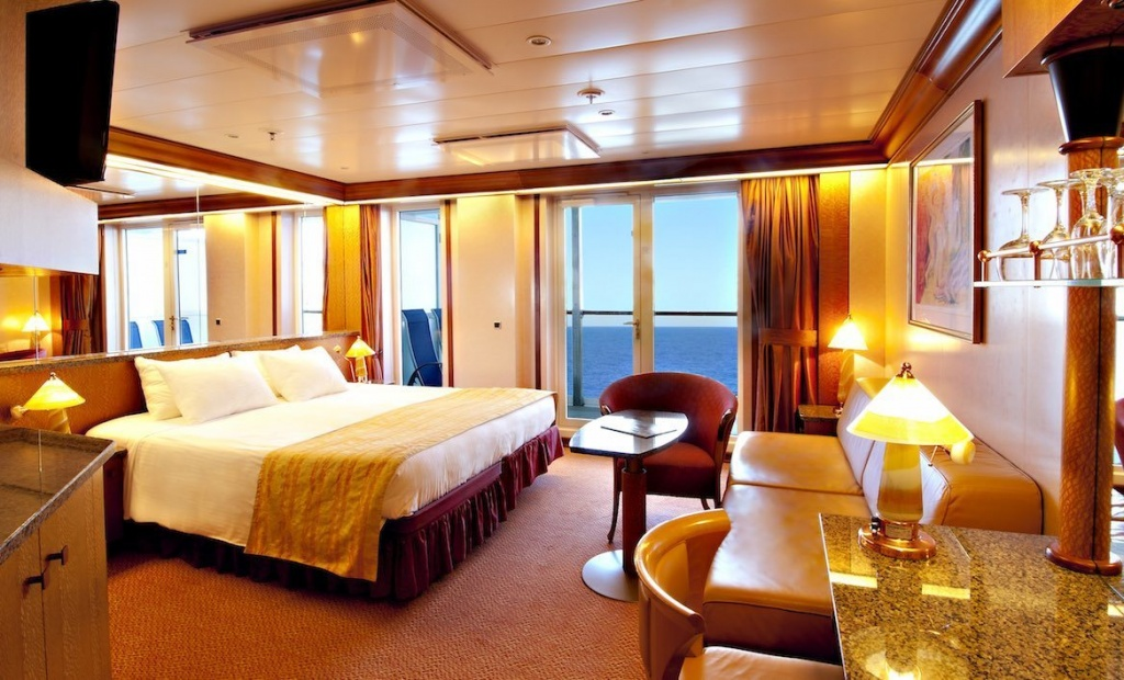 Carnival Spirit Ocean Suite cabin