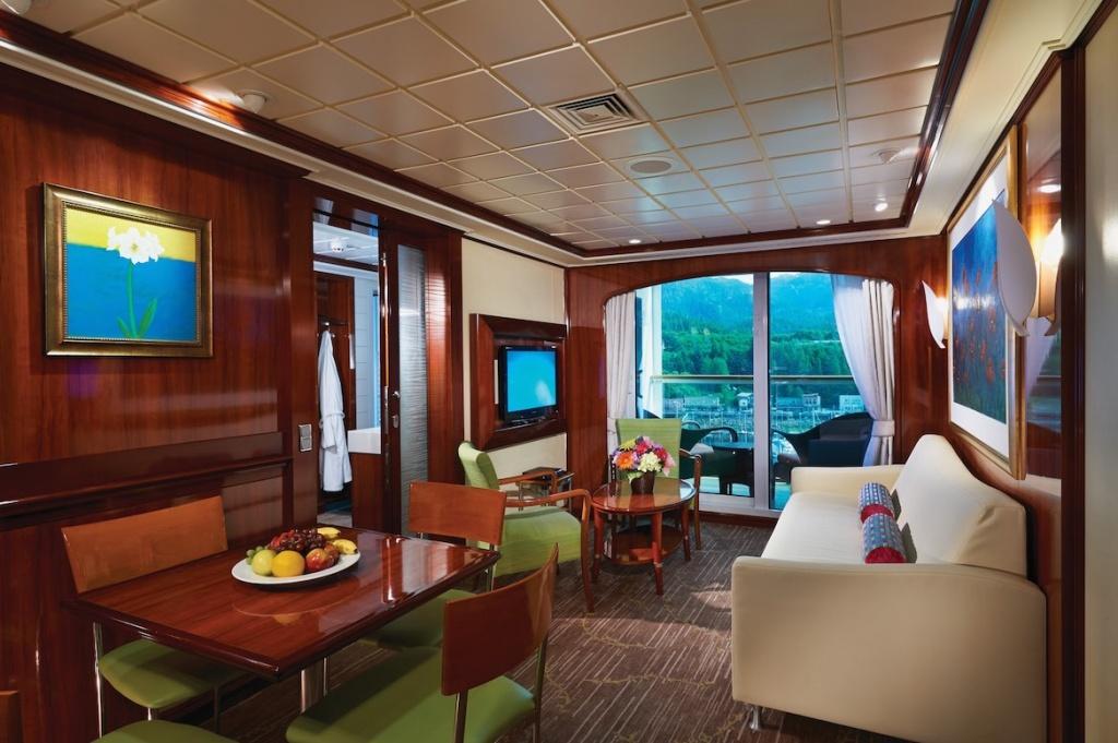 Norwegian Jewel 2-bedroom family villa