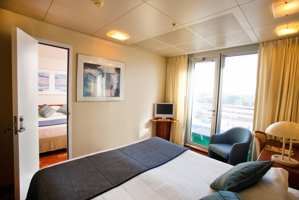 Pacific Dawn connecting cabin