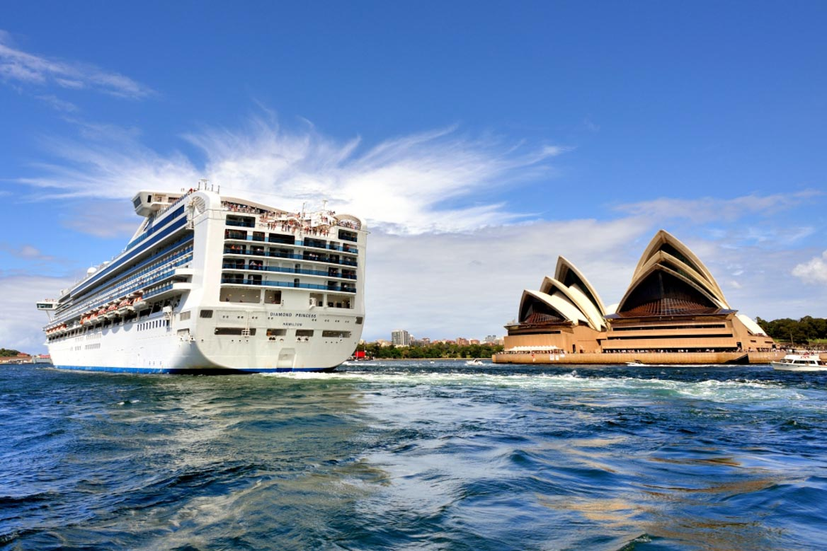 Diamond Princess and Sydney Opera House