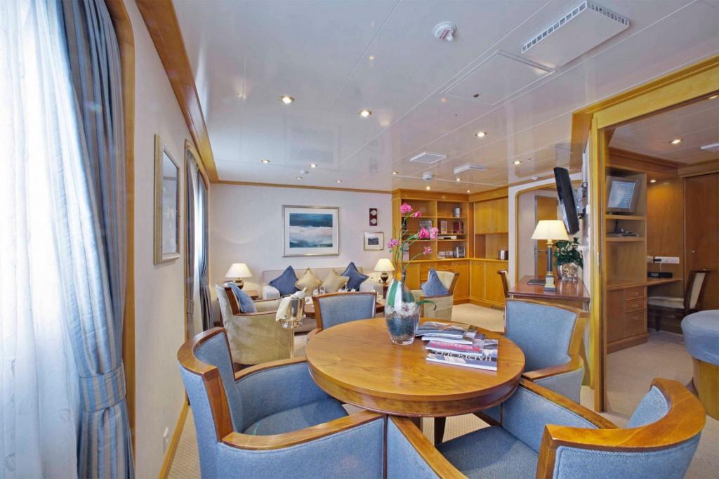 SeaDream Owners Suite