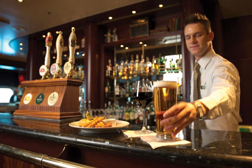 Queen Mary 2 Golden Lion Pub