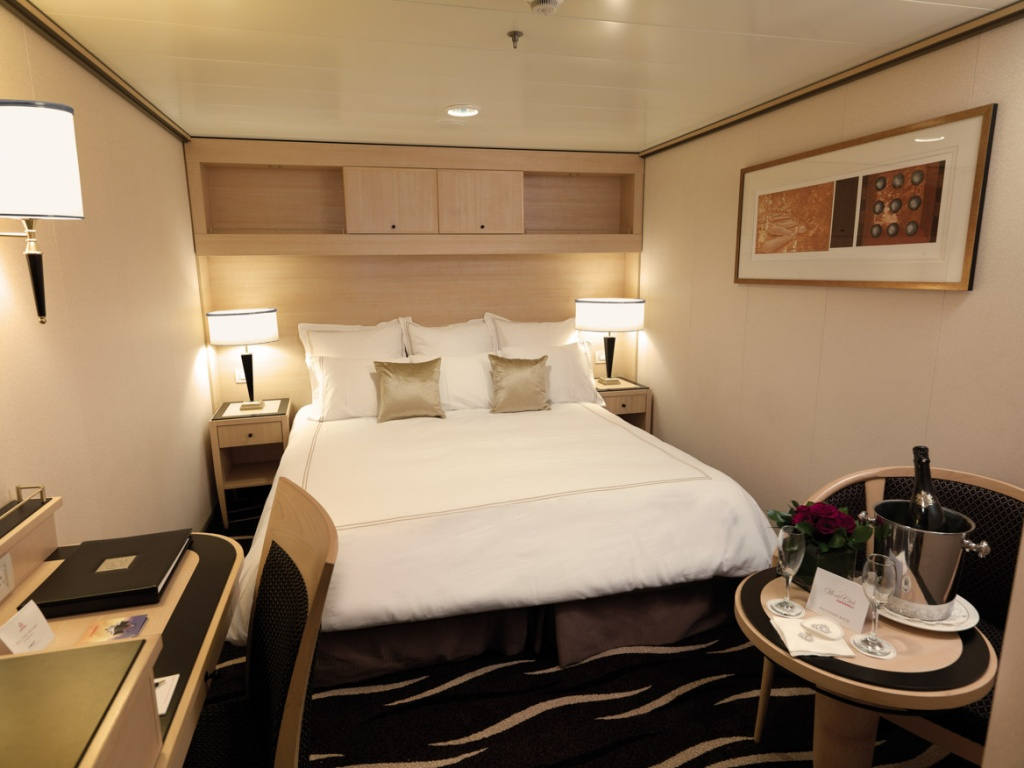 Queen Mary 2 Standard Inside Stateroom