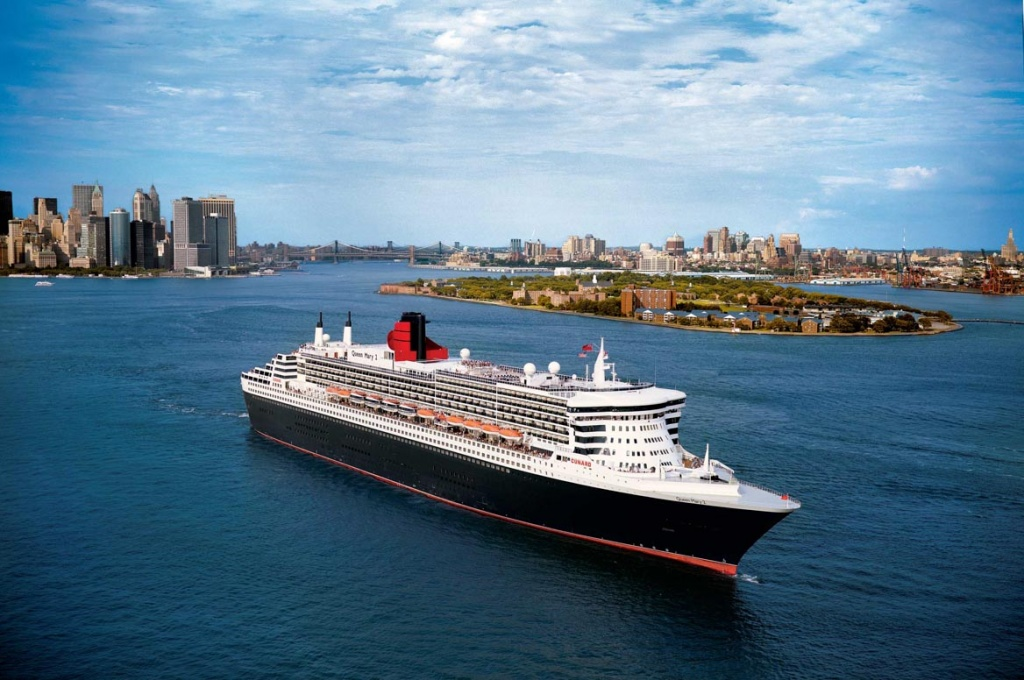 Queen Mary 2 aerial in NYC