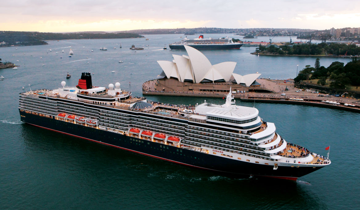 Queen Mary 2 aerial with Opera House