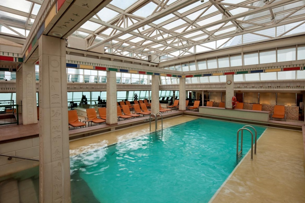 Rhapsody of the Seas Solarium Pool