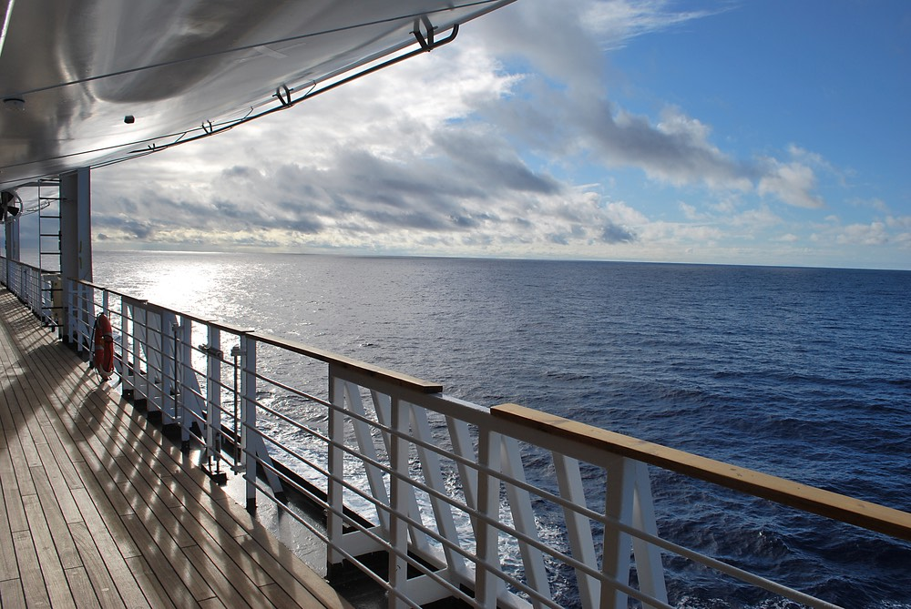 Which Deck Is Best On Cruise Ships - Where to stay on a cruise ship to avoid seasickness