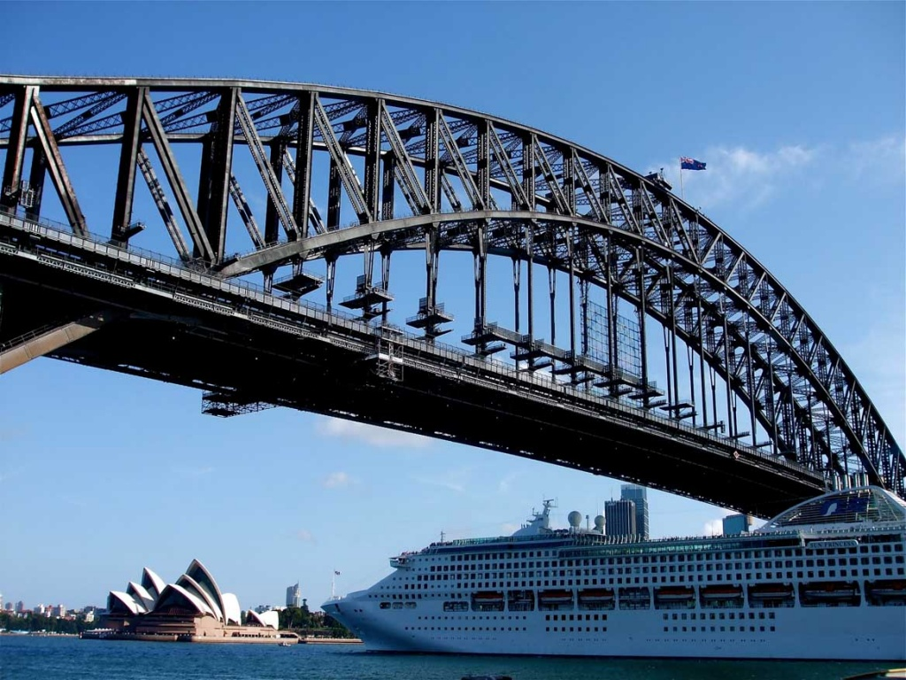 Sun Princess and Sydney Harbour Bridge