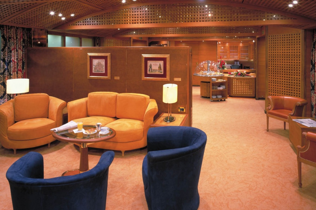 ms Amsterdam Neptune Lounge