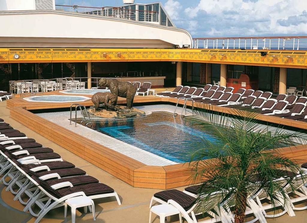 ms Amsterdam pool