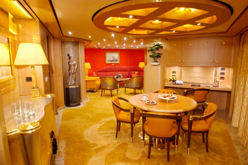ms Oosterdam Penthouse Suite