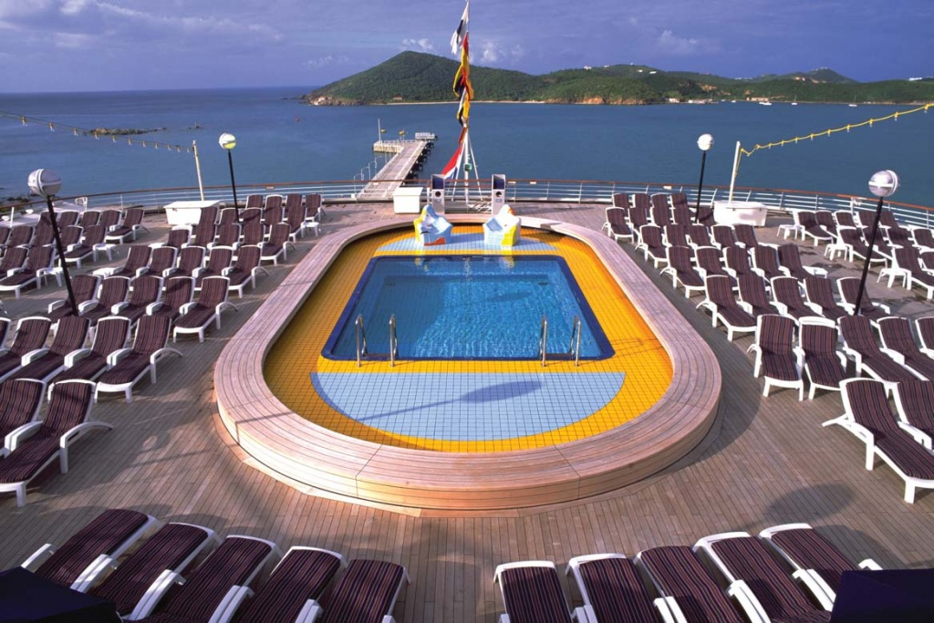 ms Volendam Cruise Ship amp Deck Plans : ms Volendam Pool 1024x683 from cruisedeals.expert size 1024 x 683 jpeg 262kB