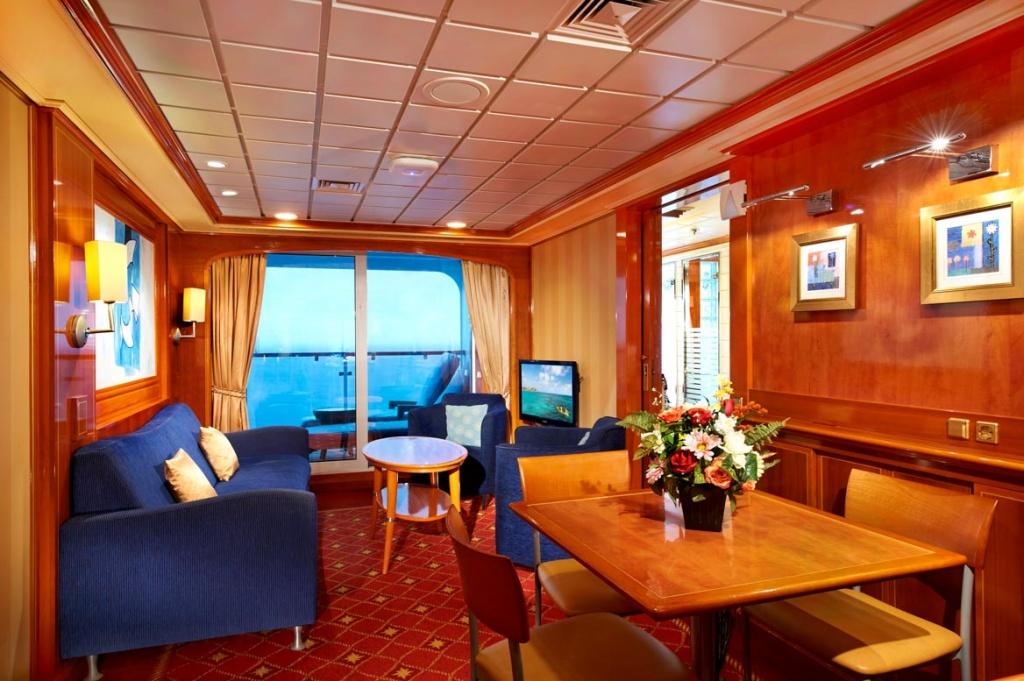 Norwegian Star Family Suite