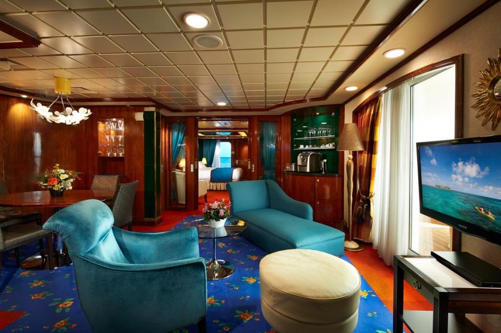 Norwegian Star Owners Suite