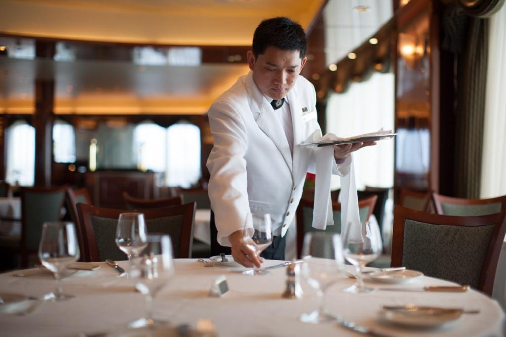 Queen Victoria Queens Grill restaurant