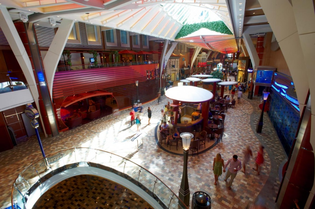 Oasis of the Seas Royal Promenade