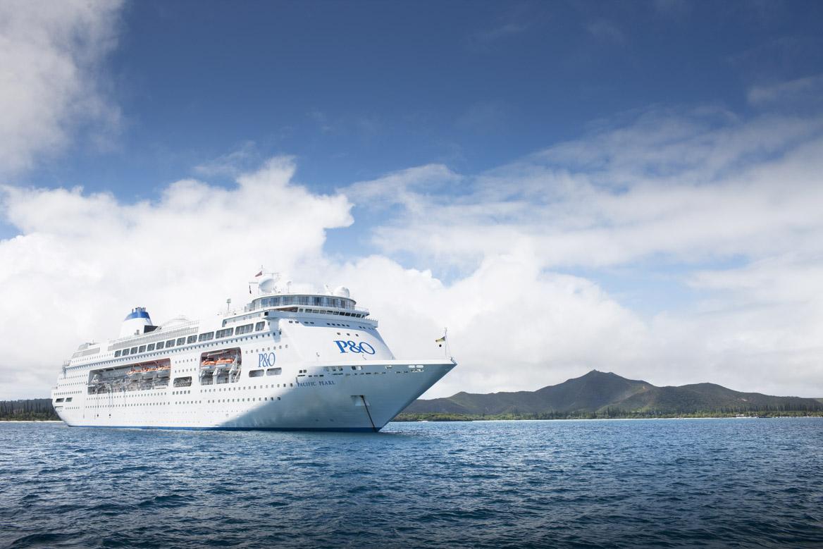 Pacific Pearl at sea