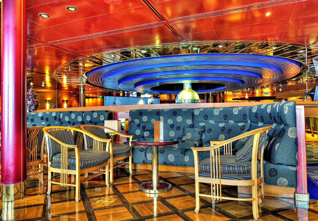 cruise ship restaurant