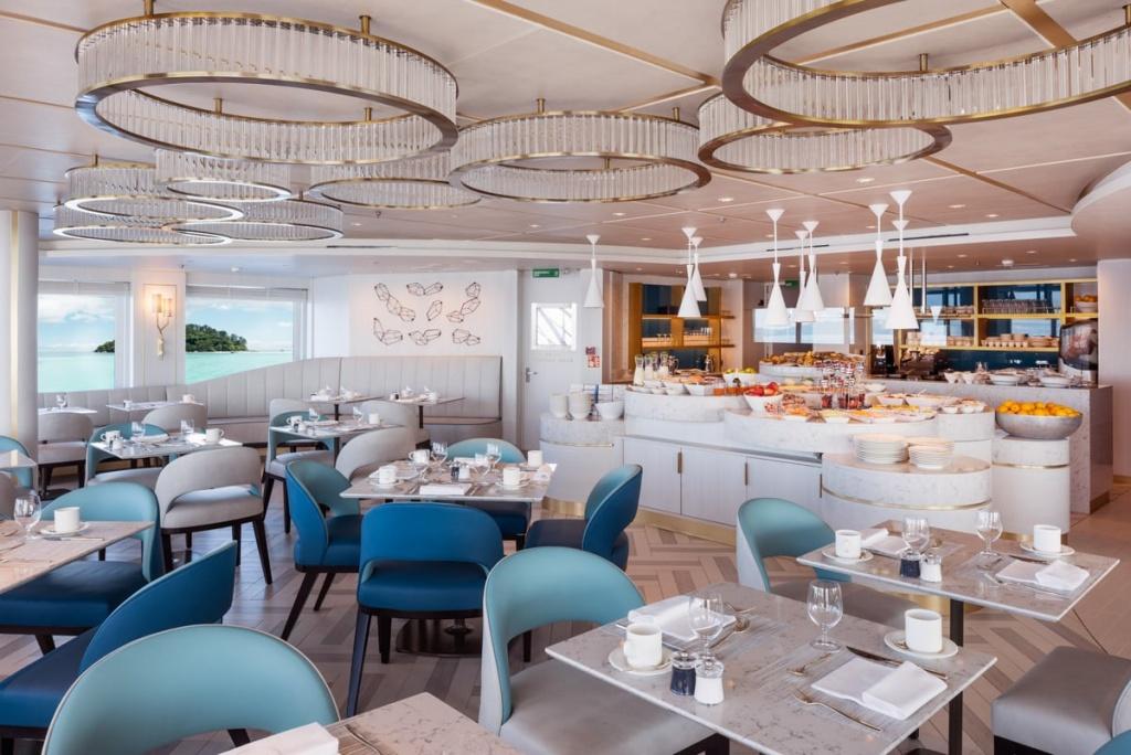 Crystal Esprit Patio Cafe