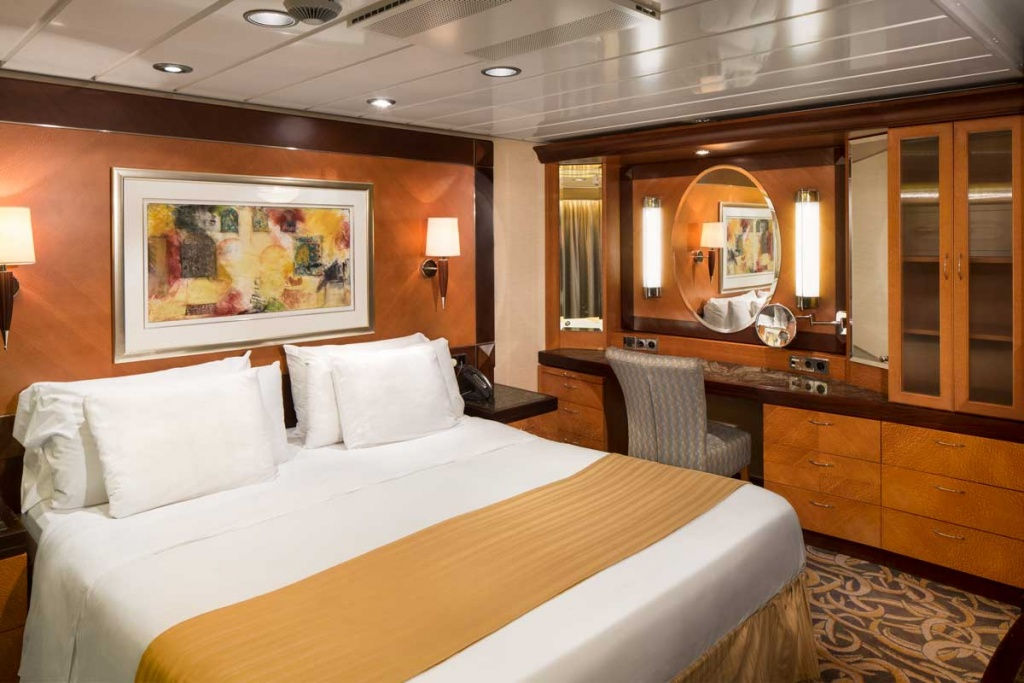 Royal Caribbean International Freedom of the Seas Owner Suite Bedroom